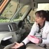 スズキスペーシア試乗インプレッション動画。女性目線の装備が充実!シートも簡単にフルフラットにできる!視界良好で狭い道でも走りやすい!竹岡圭さん解説。